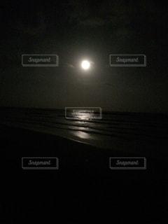 海でキャンプの写真・画像素材[2051585]