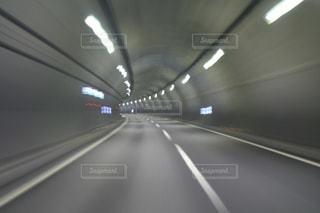 トンネルの中の写真・画像素材[2272502]