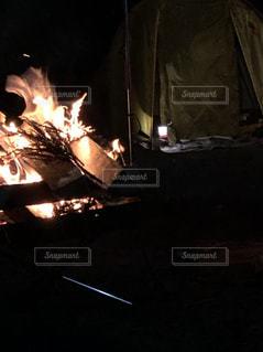 焚き火の写真・画像素材[2272520]
