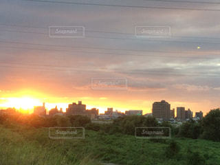 都市の夕日の写真・画像素材[2420626]
