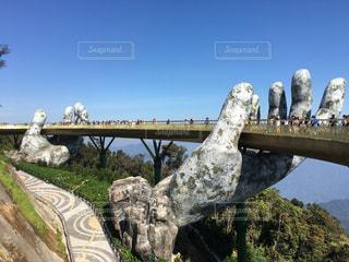 岩壁に架かる橋の写真・画像素材[3023578]