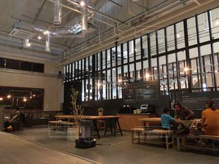 休日のカフェの写真・画像素材[2064003]