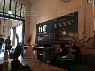 休日のカフェの写真・画像素材[2064015]