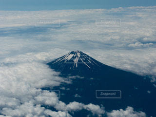 夏の富士山の写真・画像素材[2032176]