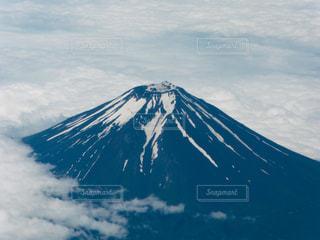 夏の富士山の写真・画像素材[2032177]