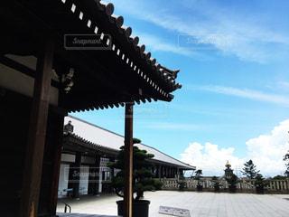 夏の寺と空の写真・画像素材[2281928]