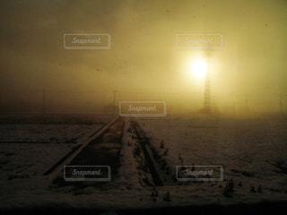 冬の東北の朝がまるで終末風景の写真・画像素材[2282045]