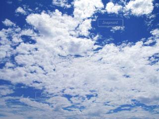 空に雲の群しをするの写真・画像素材[2284215]