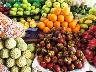 市場の新鮮な果物の写真・画像素材[2298459]