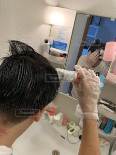 1人で白髪染めできるもんの写真・画像素材[2320232]