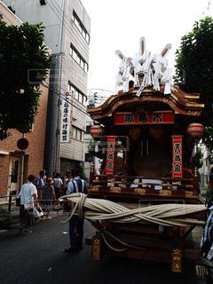 天神祭の神輿の休憩の写真・画像素材[2322661]