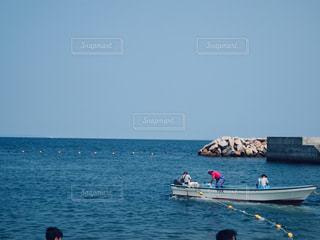 夏の海と漁🐡の写真・画像素材[2336267]
