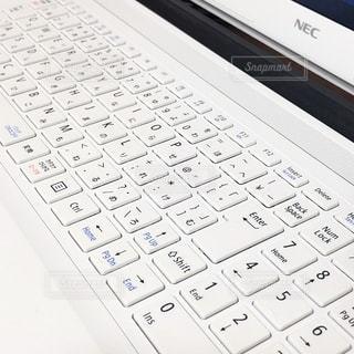 愛用していたノートパソコンの写真・画像素材[2713721]