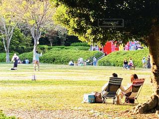 公園でのんびりの写真・画像素材[4306131]