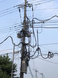 大がかりな電線撤去工事の写真・画像素材[2004681]