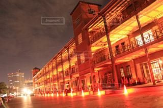真っ赤な赤煉瓦倉庫の写真・画像素材[1968403]
