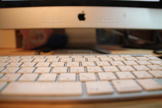 近くにコンピューターのキーボードの - No.768138