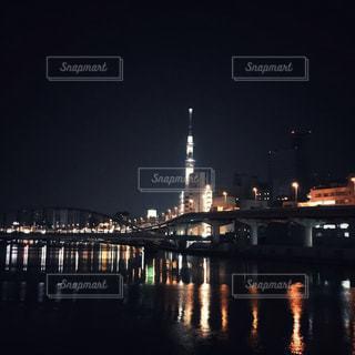 夜のスカイツリーの写真・画像素材[2010667]