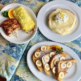 ハワイで有名なパンケーキのお店の写真・画像素材[2405785]