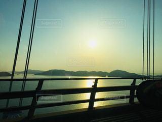 海に沈む夕日の写真・画像素材[1989399]