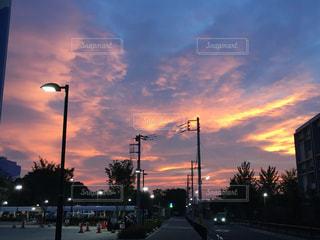 真っ赤な空の写真・画像素材[2002866]