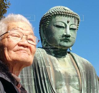大仏とおじいちゃんの写真・画像素材[2026757]
