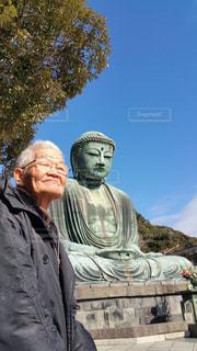 大仏とおじいちゃんの写真・画像素材[2050373]