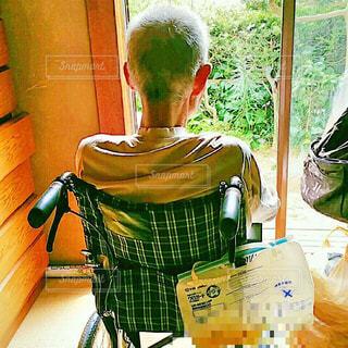 車椅子とおじいちゃんと哀愁の写真・画像素材[2078994]