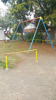 公園の遊具ブランコの写真・画像素材[2083683]