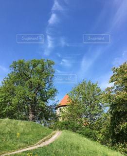 丘の塔の写真・画像素材[2168077]