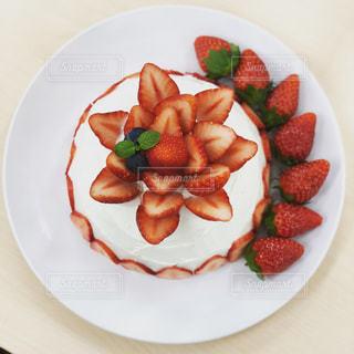 イチゴのショートケーキの写真・画像素材[1983485]