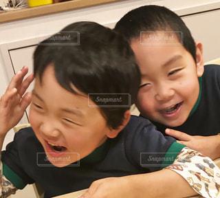仲良し兄弟の写真・画像素材[2006007]