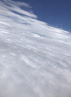 飛行機から見た雲の写真・画像素材[2396955]