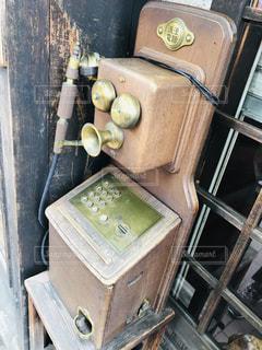レトロな公衆電話の写真・画像素材[2396992]