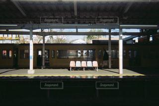 日の降る駅の写真・画像素材[1993478]