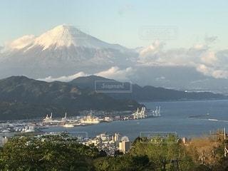 4月の富士山の写真・画像素材[2071197]