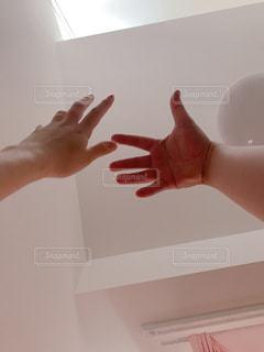 手ですの写真・画像素材[2158914]