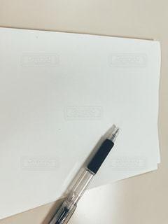 白紙とペンの写真・画像素材[2806853]