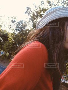 帽子をかぶった女性の写真・画像素材[2863424]