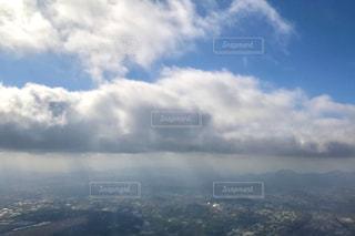 上空の景色・雲を抜けるの写真・画像素材[3133025]