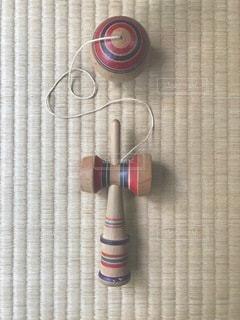 畳の上のけん玉の写真・画像素材[3536643]