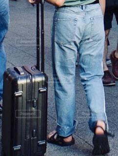 カジュアルな旅行客のスタイルの写真・画像素材[4641007]