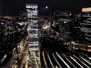 都会の夜の写真・画像素材[2049012]