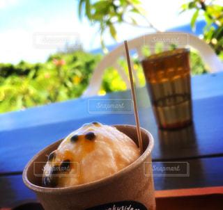 パッションフルーツアイスクリームの写真・画像素材[2131145]