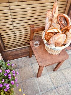 休日の朝のパン屋さん。の写真・画像素材[2182955]