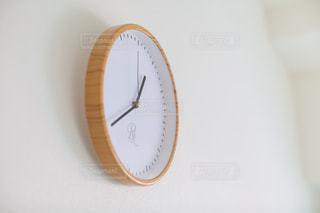 壁掛けの時計の写真・画像素材[2106447]