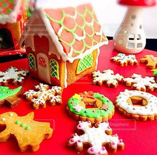 アイシングクッキーのヘクセンハウスの写真・画像素材[2087466]