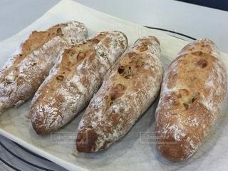 焼き立てパンの写真・画像素材[3386650]