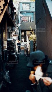ストリートスナップの写真・画像素材[2041806]