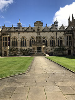 イギリス オックスフォード大学の古い建物の写真・画像素材[2038596]